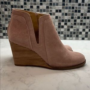 Lucky Brand Lt. Pink Wedge Booties